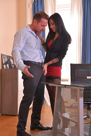 Entertainment Penetration: Banging The Secretary At The Office