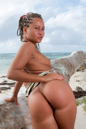 Kathy Campbel Sandra Anal invasion Honeymoon In The Tropics